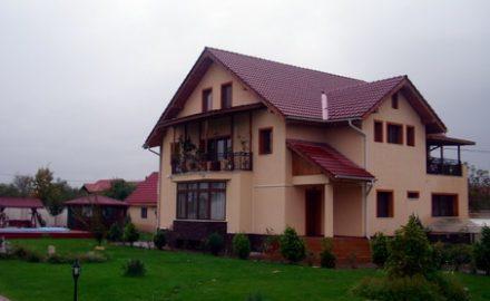 Lui Călinoiu i-a scăzut vila din Primăverii cu 169 mp într-un an