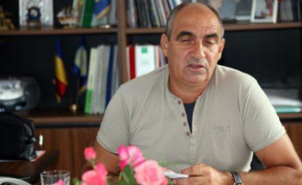 Primarul Vlăduleanu s-a dat singur în judecată și a câștigat 271 de milioane