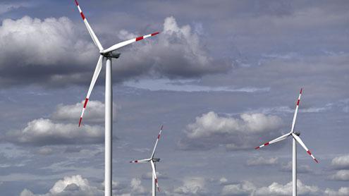 """Guvernul bagă 20 miliarde euro în buzunarul băieților deștepți care produc energie """"verde""""!"""