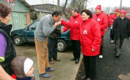 Mai scârboasă ca Ceaușeasca: Khraibani, primită cu pâine și sare de copiii din comunele sărace!