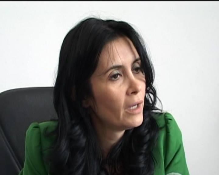 Video: Alo? 112? Pe scaunul doamnei viceprimar Iulia Vână e o petardă care bubuie de proastă!