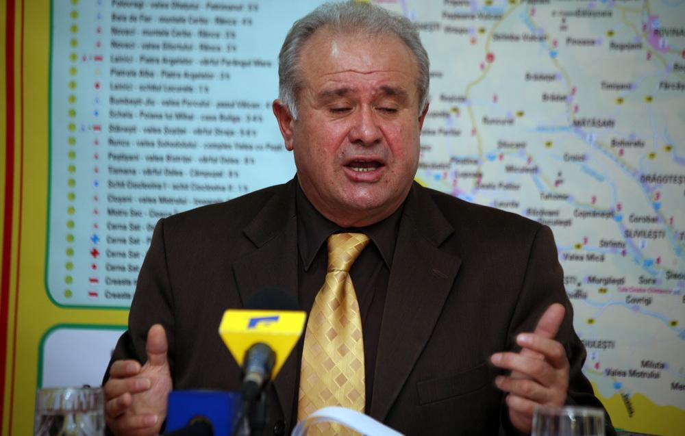 """Șef ilegal la Sanepid. """"Paharnicul"""" Dobrin, promovat abuziv de Călinoiu Jr. și de secretarul de stat Țucmeanu"""