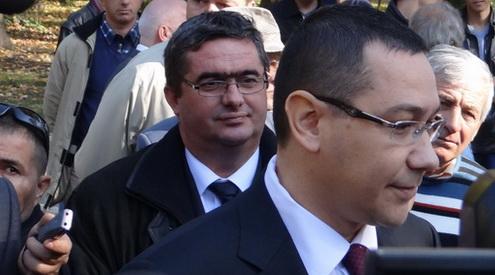 """Video: """"Stroe l-ar demite, dar nu prea poate, pentru că Ponta… E foarte grav dacă e așa!"""""""""""