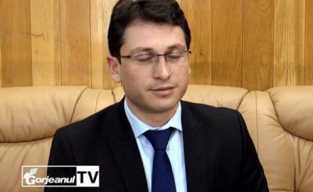 Mini-prefectul Teodorescu, cel mai penibil gorjean, la cumpăna dintre ani
