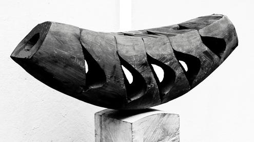 Lumea gorjenească: Dimensiunea simbolică a grădinii cu statui