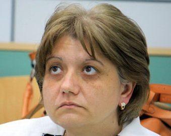 Cadre UCB, forțate să jure pe Biblie că o votează rector pe Luminița Popescu!