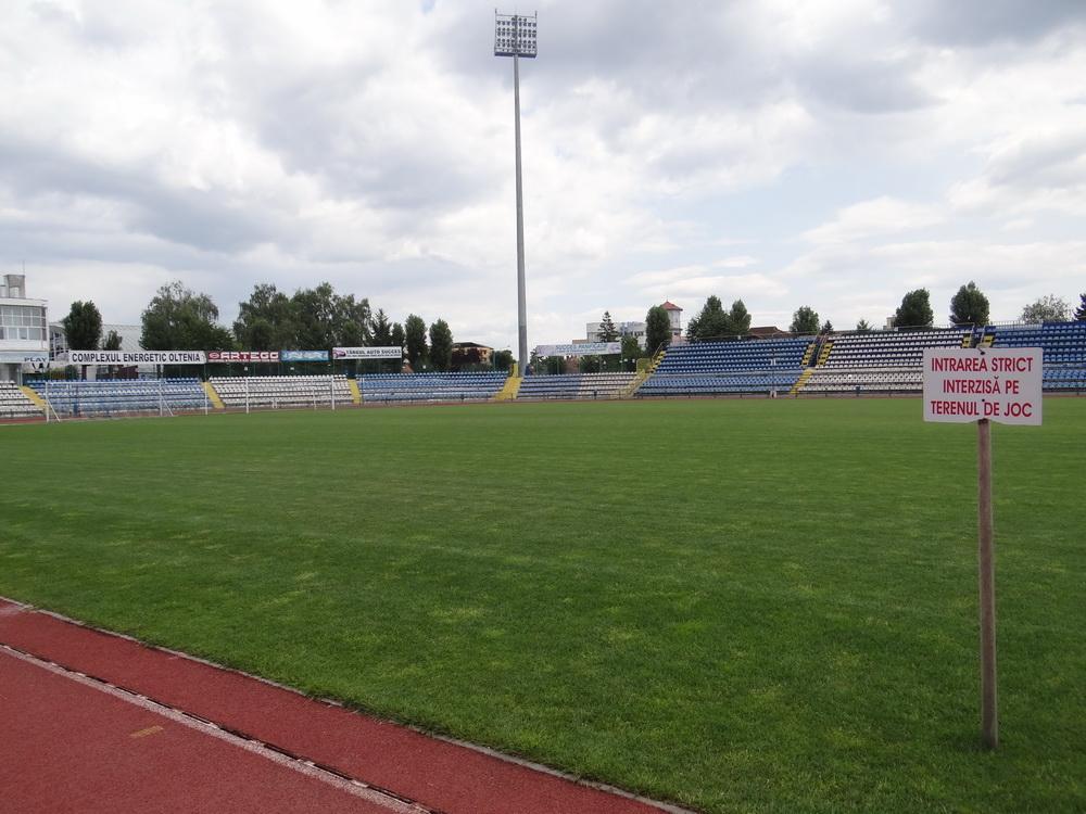 Campionii INCOMPETENȚEI din Primăria Târgu Jiu sfidează suporterii Pandurilor! Derby-ul cu Steaua se joacă la Severin, deși stadionul din Târgu Jiu este intact!!!