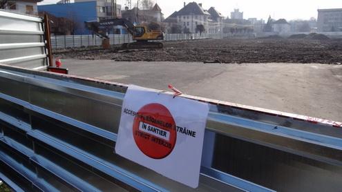 Cum decurg demolarea și construirea unui stadion, într-un oraș cu edili IDIOȚI: Târgu Jiu