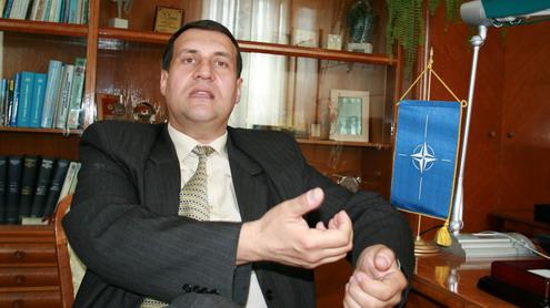 Victor Banța: ''Patru persoane, în afară de Dian Popescu, vor șefia PNL Gorj''