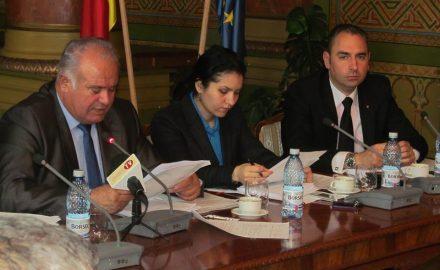 Analfabeți juridic, dar cu frică de pușcărie: juriștii Consiliului Județean și secretarul Rădulea – Zamfirescu. Documente