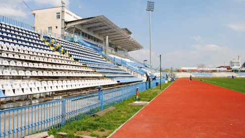 Încep reparaţiile la Stadionul Municipal