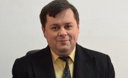 GAFĂ. Primarul Romanescu și consilierii liberali, hotărâre distructivă împotriva Ansamblului Brâncuși. PLUS: tutele angajate de Cârciumaru pe post de ghid dorm, în continuare, în birouri