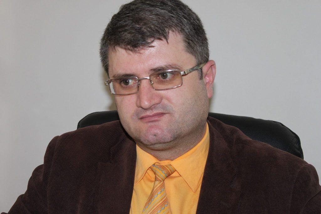 Audio. Orgie bahică la Muzeul Curtișoara. Directorul Hortopan, beat mort