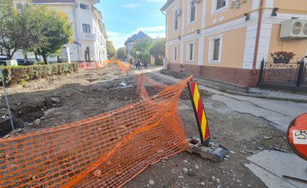 VIDEO. Încă o prelungire ILEGALĂ de contract, pe Calea Eroilor. Romanescu se încurcă în MINCIUNI!